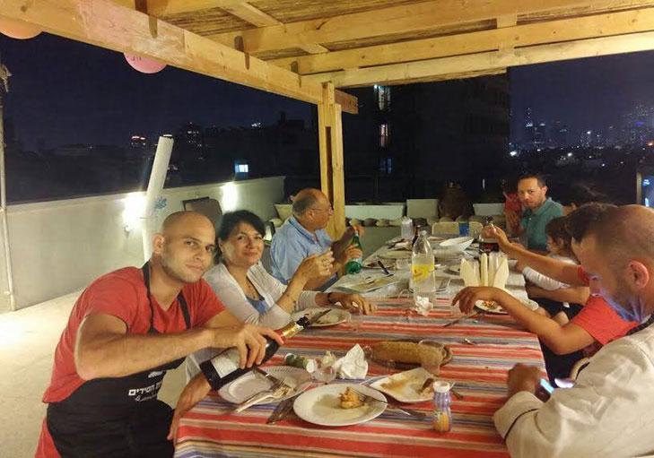 שף פרטי ירון חן - תמונה מאירוע משפחתי מאת צוות שירת הסירים