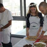 שף פרטי ירון חן - סדנת בישול עם צוות שירת הסירים