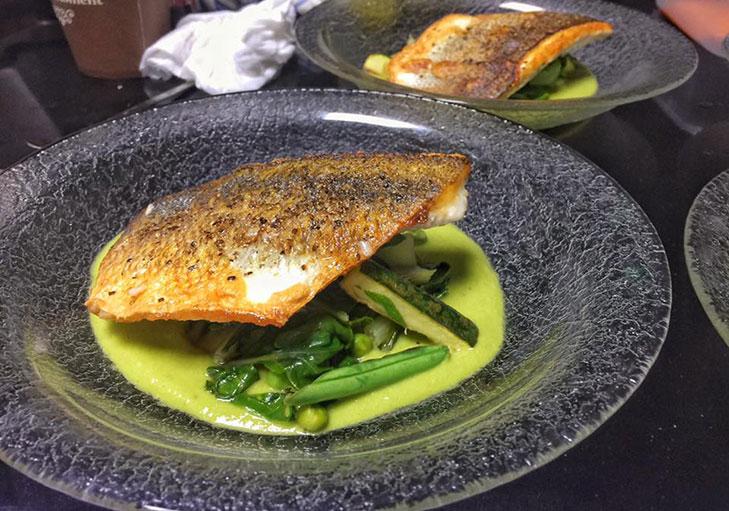 שף פרטי יניב טרנטו - קרם אפונה עם דניס וירוקות ירוקים
