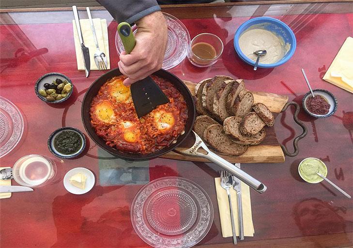שף פרטי יניב טרנטו - ארוחת בוקר ישראלית, שקשוקה