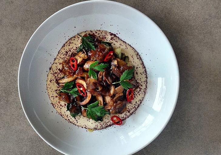 שף פרטי נוכם כרמון - מסבחה, טחינה, פטריות יער, מנגולד ובצל מתוק