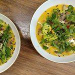 שף פרטי - נועם כרמון - קארי עגבניות תאילנדי, אבוקדו חרוך, פטריות מוחמצות והרבה כוסברה