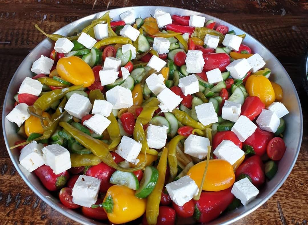 חיים סלומון שף פרטי, סדנאות בישול חוויתיות, מתמחה במטבחי הים התיכון: האיטלקי, התורכי והצרפתי. סלט רענן עם קוביות פטה