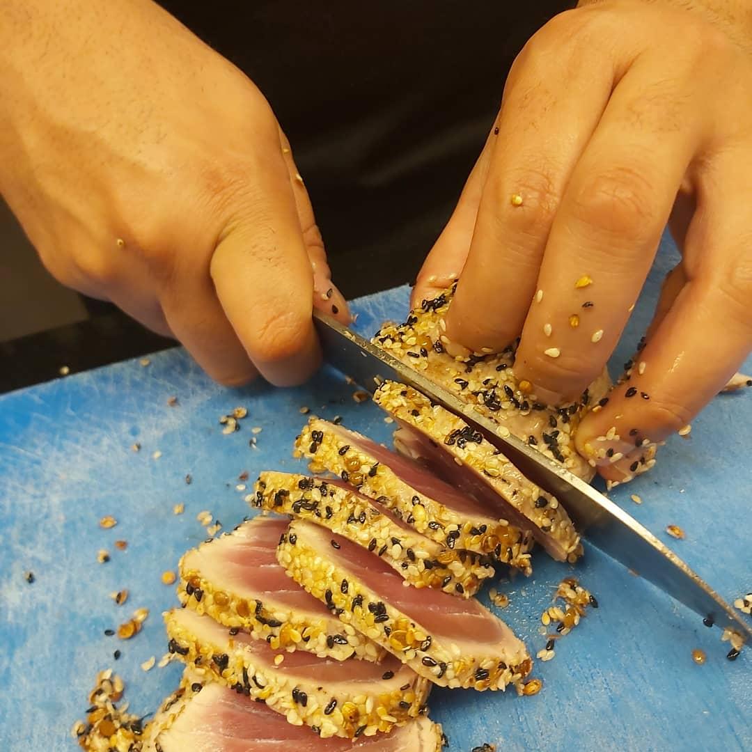 חיים סלומון שף פרטי לאירועים, סדנאות בישול חוויתיות, מתמחה במטבחי הים התיכון: האיטלקי, התורכי והצרפתי.