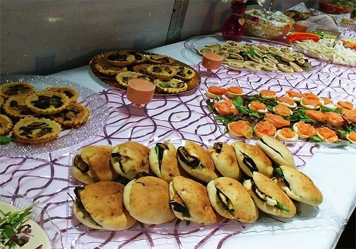 שף פרטי ראול רודריגז - בופה עשיר עם פיתות וחצילים, פשטידות ומנות דגים